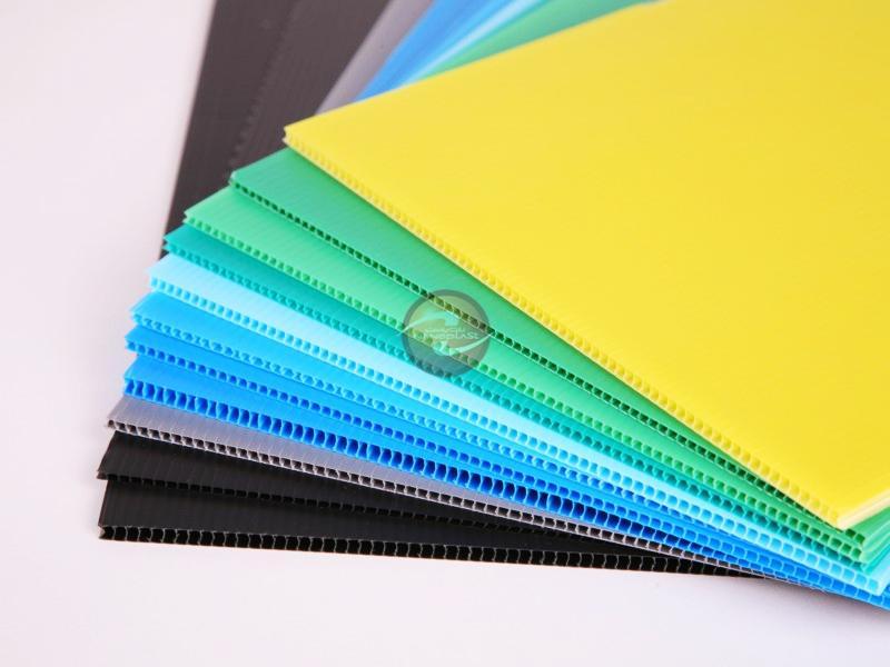 کارتن پلاست کاشان اولین تولید کننده کارتن پلاست و شیت پلاست در ...ورق کارتن پلاست ، کارتن پلاست ، ورق نانوپلاست ، سپیده کویر کاشان ، کارتن پلاست